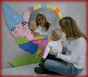 22 actividades de estimulaci n temprana para beb s for Espejo para ver al bebe
